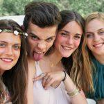 photographe mariage, invités mariage, mariage, été, famille, amis, sourire, rire