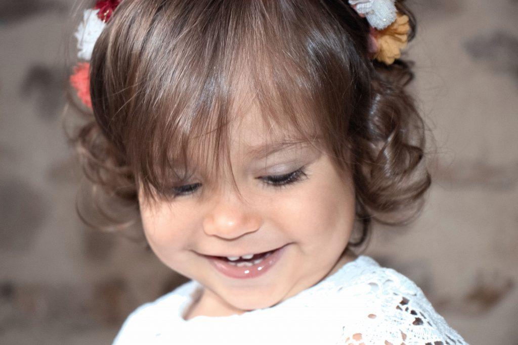 séance photo enfant, séance photo enfant, petite fille, couronne de fleurs