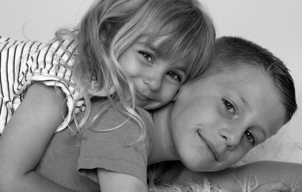 Photo enfants, fratrie, frère et soeur