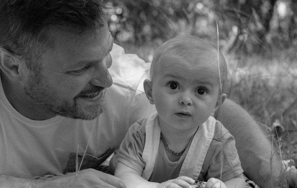 Photographe de famille avec papa