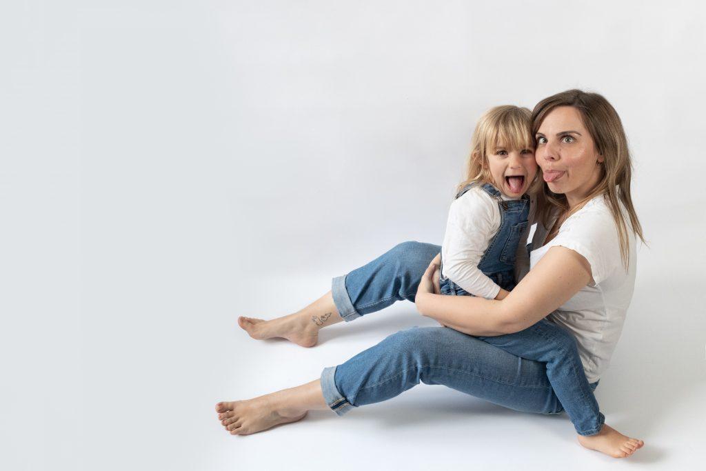 photo de famille, mère et fille